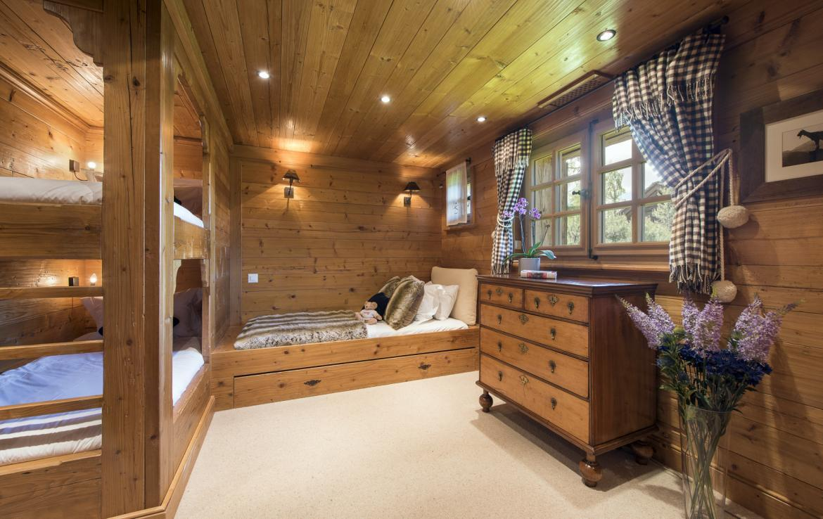 Kings-avenue-verbier-snow-chalet-outdoor-jacuzzi-childfriendly-fireplace-021-21
