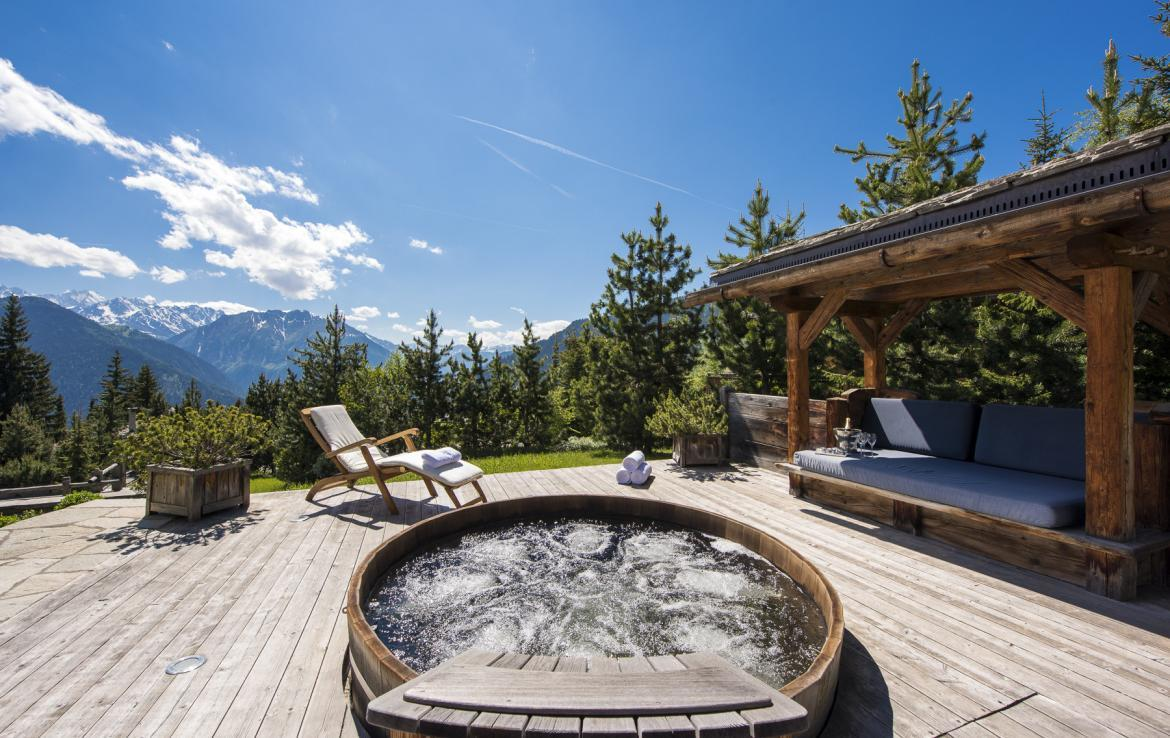 Kings-avenue-verbier-snow-chalet-outdoor-jacuzzi-childfriendly-fireplace-021-25