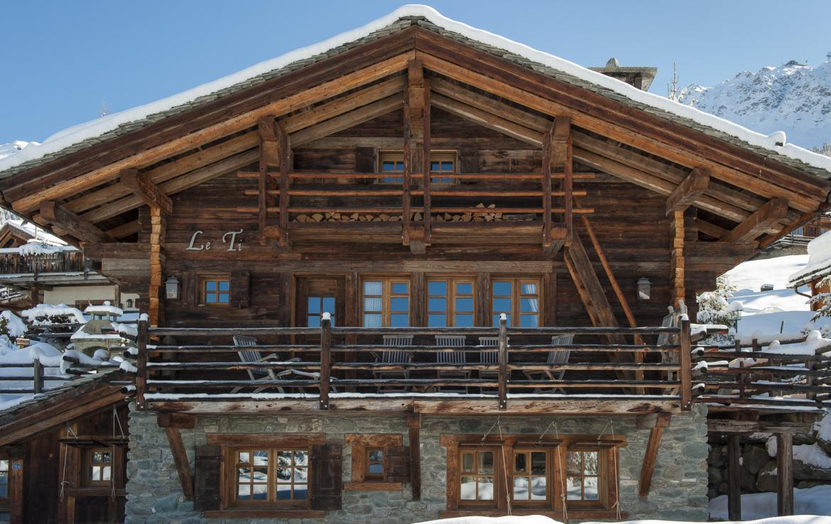 Kings-avenue-verbier-snow-chalet-outdoor-jacuzzi-childfriendly-fireplace-021-3