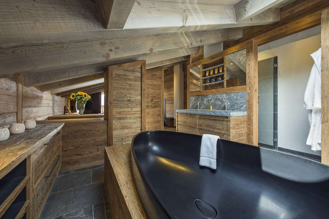 Kings-avenue-verbier-snow-chalet-outdoor-jacuzzi-childfriendly-fireplace-040-11