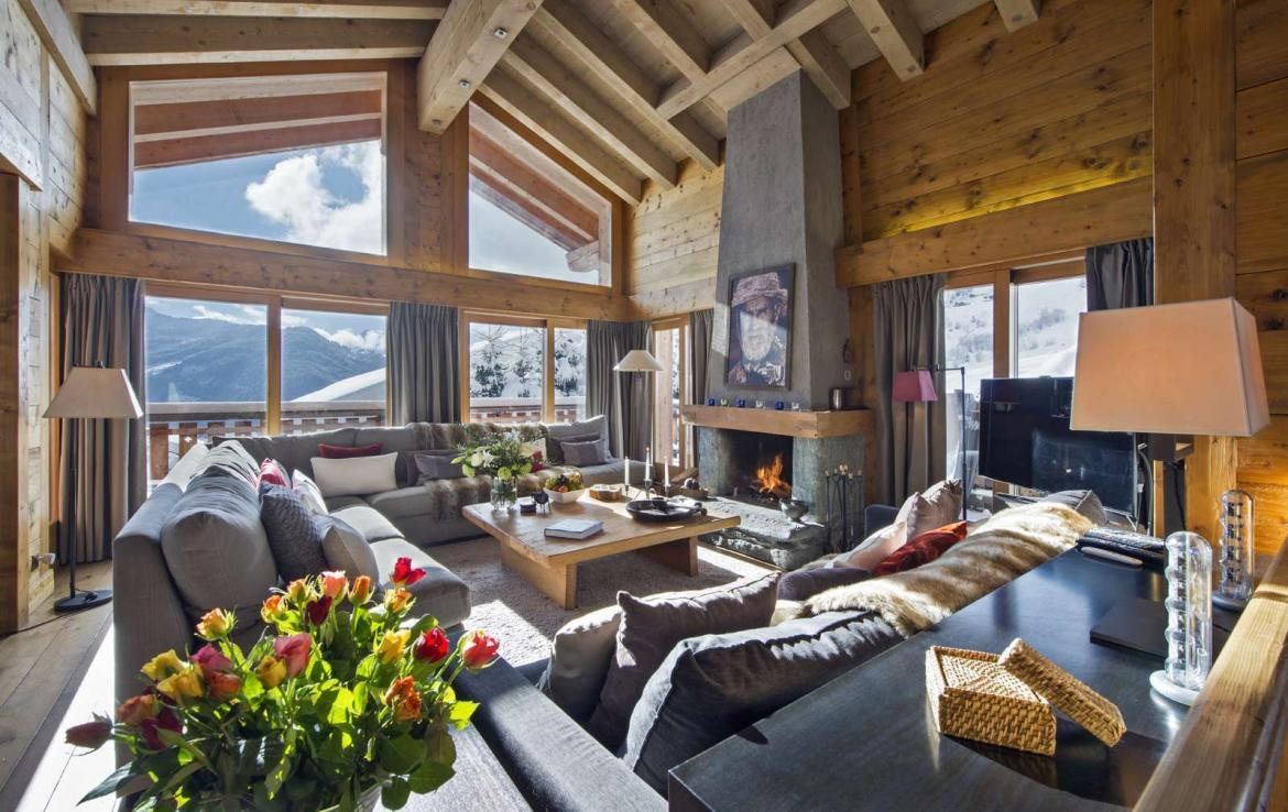 Kings-avenue-verbier-snow-chalet-outdoor-jacuzzi-parking-childfriendly-massage-room-081-5