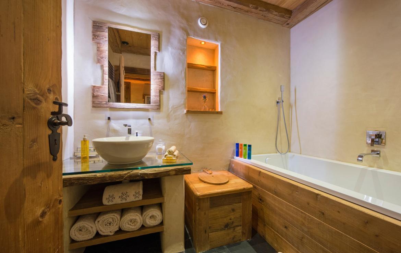 Kings-avenue-verbier-snow-chalet-sauna-hammam-childfriendly-fireplace-022-16