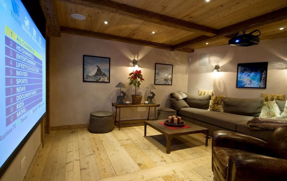 Kings-avenue-verbier-snow-chalet-sauna-hammam-swimming-pool-fireplace-wine-cellar-010-15