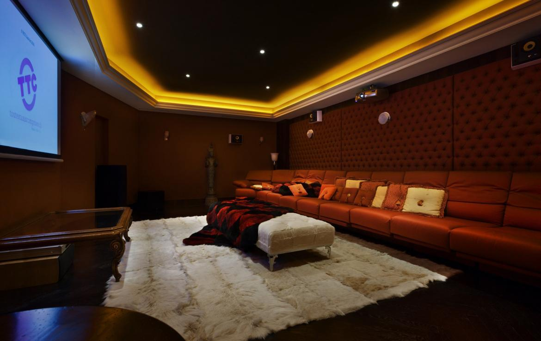 Kings-avenue-verbier-snow-chalet-sauna-jacuzzi-hammam-fireplace-sushi-bar-wine-cellar-001-18