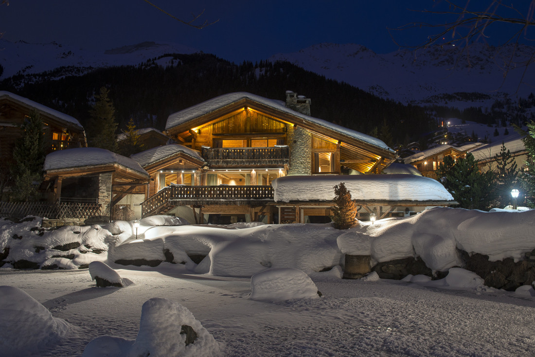 Kings-avenue-verbier-snow-chalet-sauna-jacuzzi-hammam-swimming-pool-parking-cinema-011-1