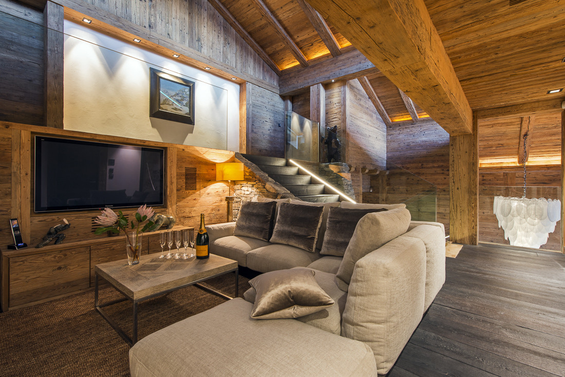 Kings-avenue-verbier-snow-chalet-sauna-jacuzzi-hammam-swimming-pool-parking-cinema-011-13