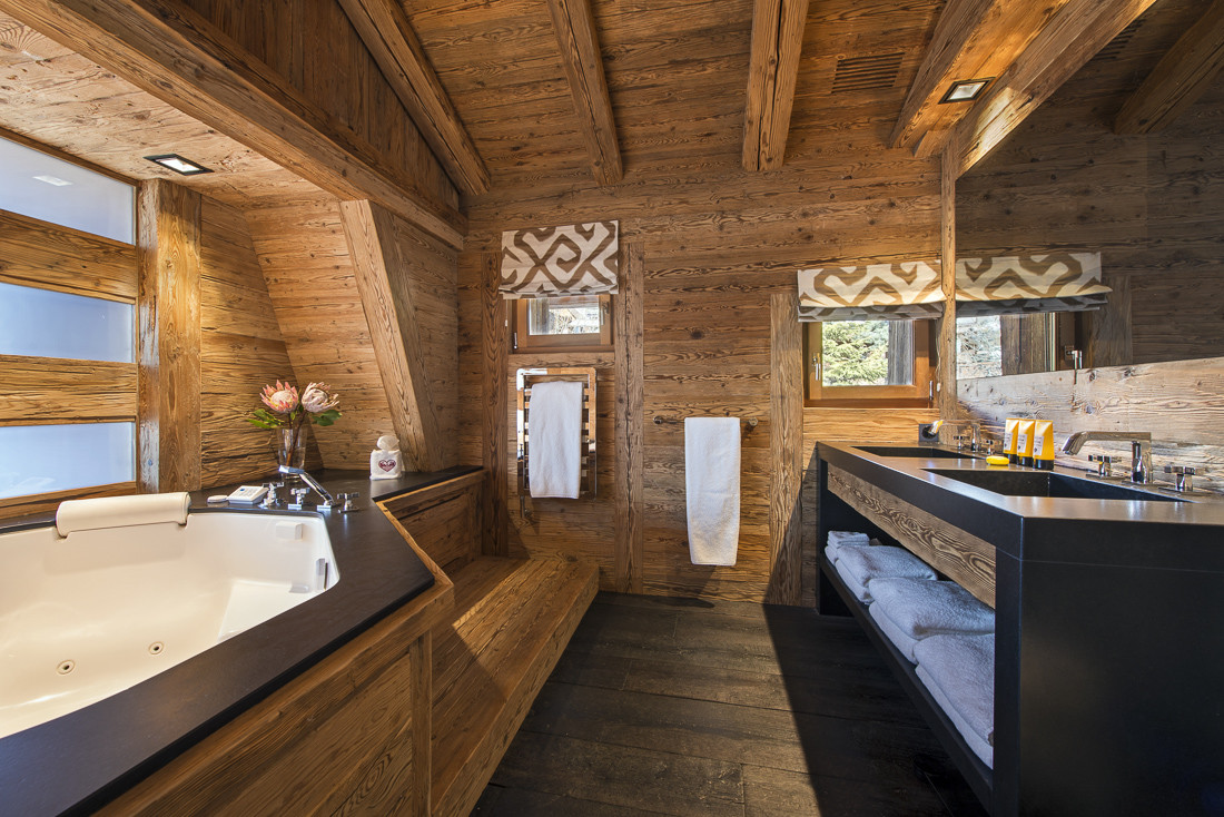 Kings-avenue-verbier-snow-chalet-sauna-jacuzzi-hammam-swimming-pool-parking-cinema-011-18