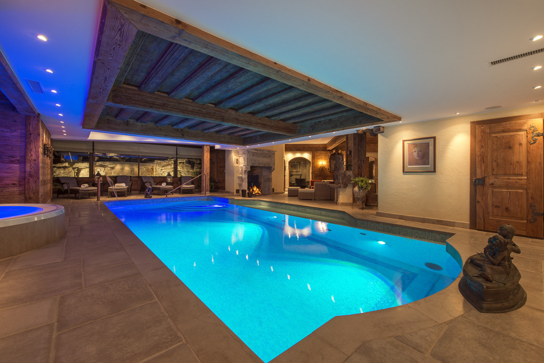 Kings-avenue-verbier-snow-chalet-sauna-jacuzzi-hammam-swimming-pool-parking-cinema-011-25