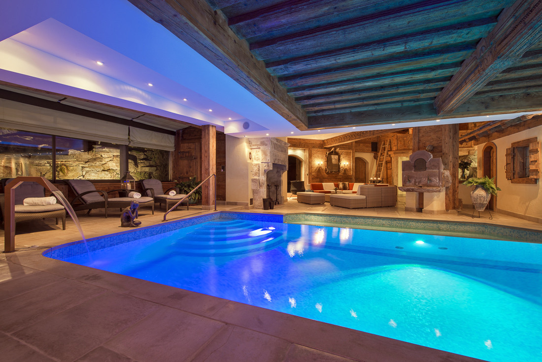 Kings-avenue-verbier-snow-chalet-sauna-jacuzzi-hammam-swimming-pool-parking-cinema-011-26