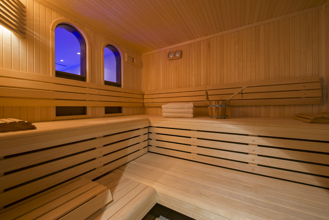 Kings-avenue-verbier-snow-chalet-sauna-jacuzzi-hammam-swimming-pool-parking-cinema-011-28