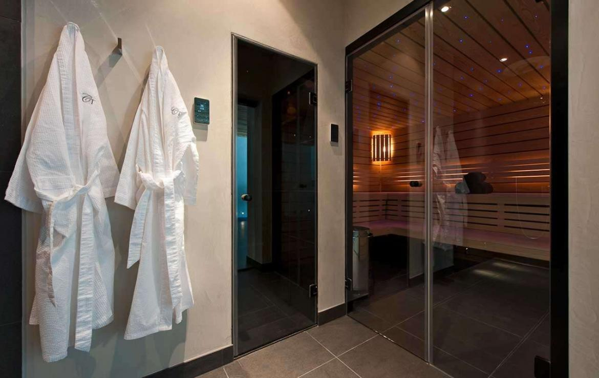 Kings-avenue-verbier-snow-chalet-sauna-outdoor-jacuzzi-cinema-fireplace-hammam-009-20