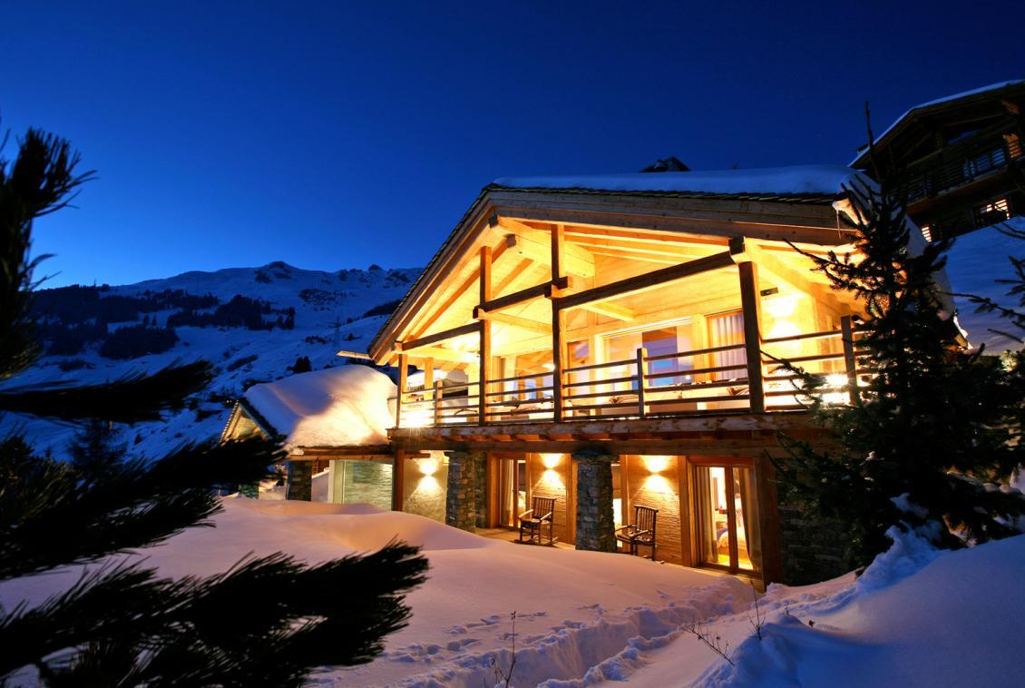 Kings-avenue-verbier-snow-chalet-sauna-outdoor-jacuzzi-hammam-swimming-pool-area-verbier-015
