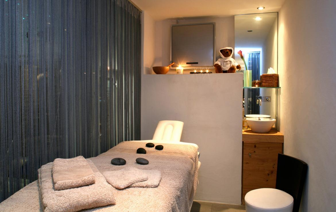Kings-avenue-verbier-snow-chalet-sauna-outdoor-jacuzzi-hammam-swimming-pool-area-verbier-015-19