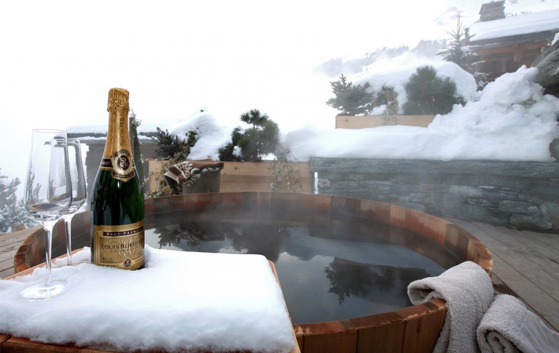 Kings-avenue-verbier-snow-chalet-sauna-outdoor-jacuzzi-hammam-swimming-pool-area-verbier-015-9