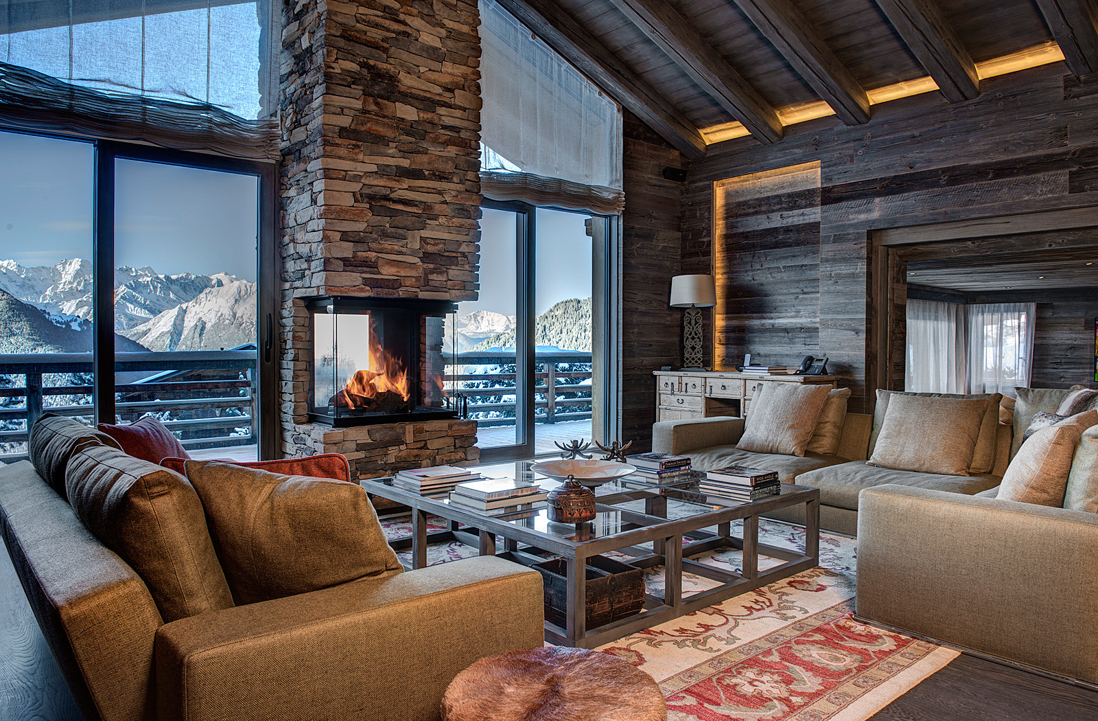 Kings-avenue-verbier-snow-chalet-sauna-parking-cinema-boot-heaters-fireplace-massage-room-002-4