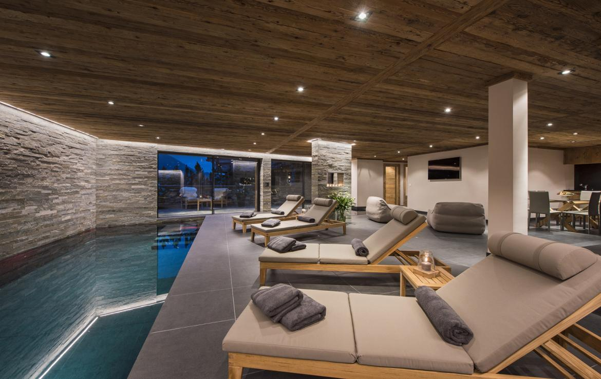 Kings-avenue-verbier-snow-chalet-suana-swimming-pool-boot-heaters-fireplace-020-10