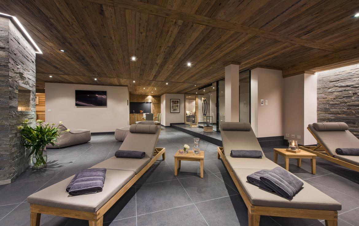 Kings-avenue-verbier-snow-chalet-suana-swimming-pool-boot-heaters-fireplace-020-11