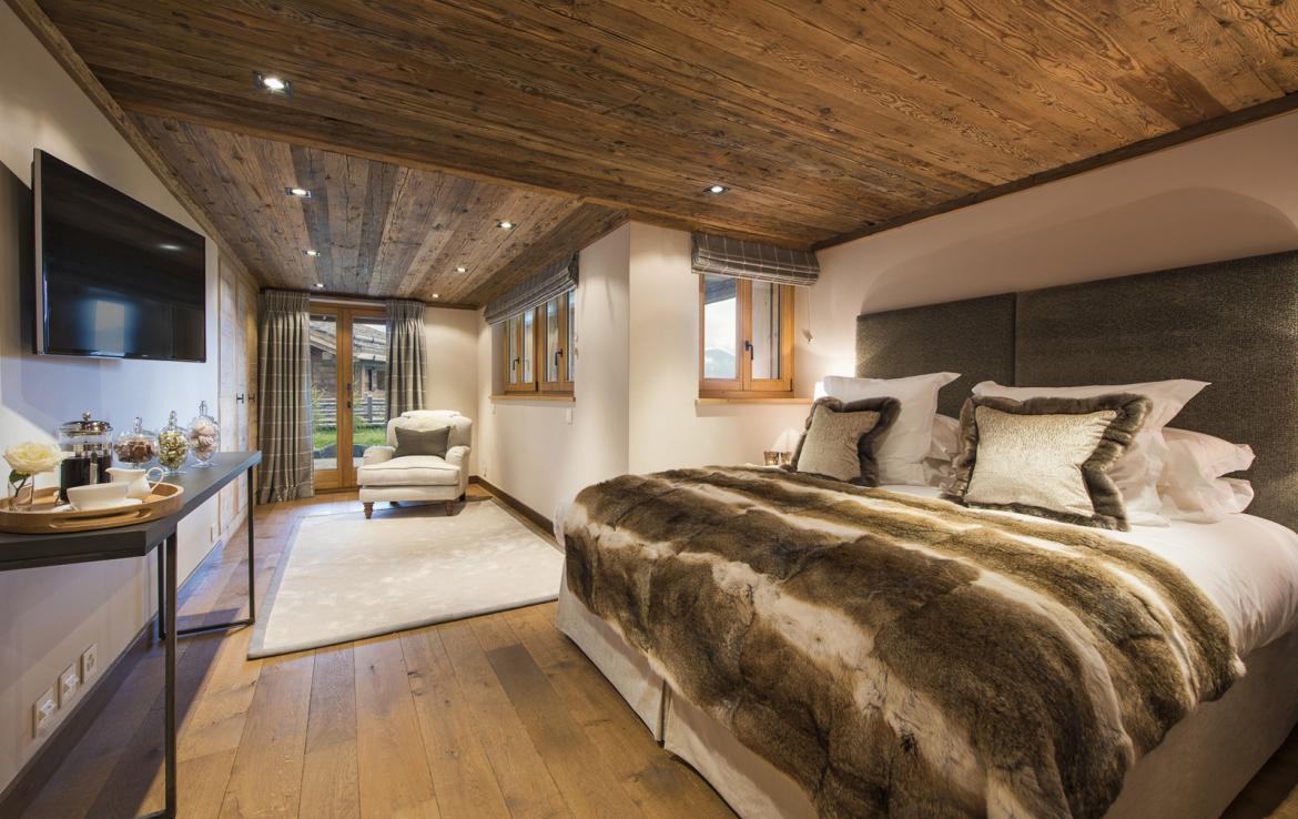 Kings-avenue-verbier-snow-chalet-suana-swimming-pool-boot-heaters-fireplace-020-15