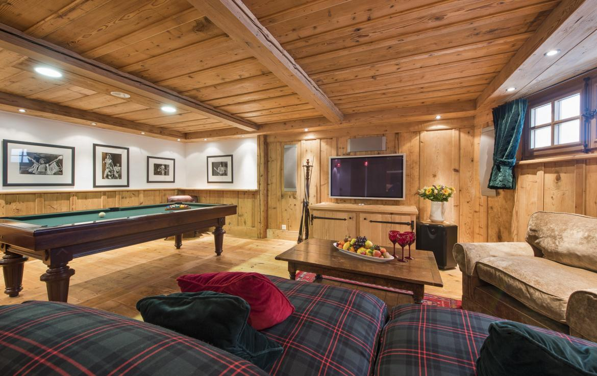 Kings-avenue-verbier-wifi-jacuzzi-childfriendly-parking-fireplace-pool-table-bar-area-verbier-021-15