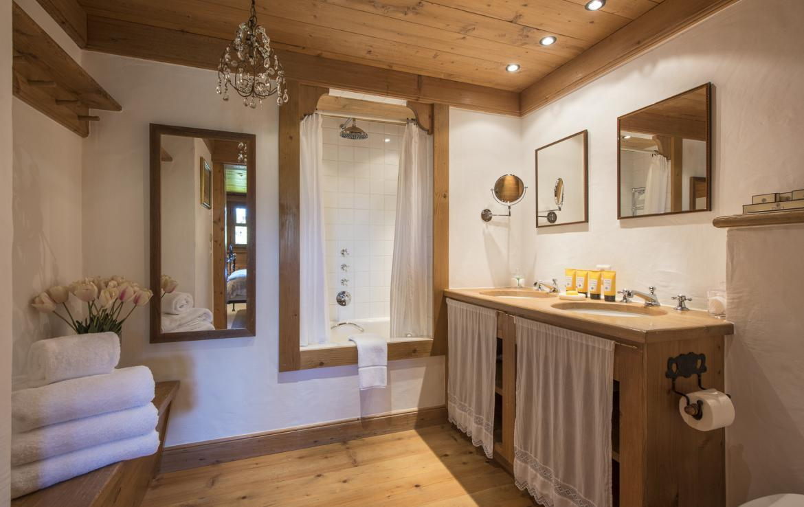Kings-avenue-verbier-wifi-jacuzzi-childfriendly-parking-fireplace-pool-table-bar-area-verbier-021-22