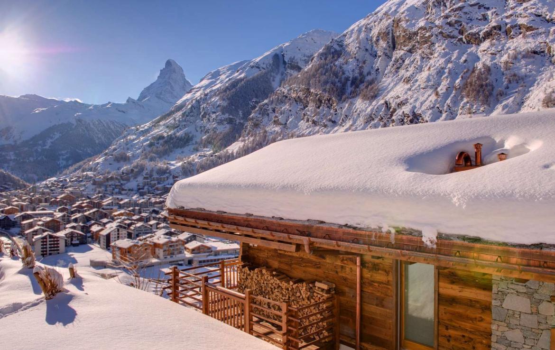 Kings-avenue-zermatt-sauna-jacuzzi-childfriendly-fireplace-massage-room-wine-cellar-lift-area-zermatt-007