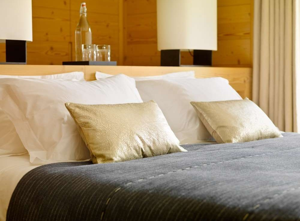 Kings-avenue-zermatt-sauna-jacuzzi-childfriendly-fireplace-massage-room-wine-cellar-lift-area-zermatt-007-12