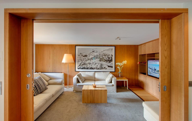 Kings-avenue-zermatt-snow-chalet-childfriendly-matterhornviews-acces-to-wellnes-swimming-pool-015-10