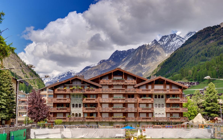 Kings-avenue-zermatt-snow-chalet-childfriendly-matterhornviews-acces-to-wellnes-swimming-pool-015-15