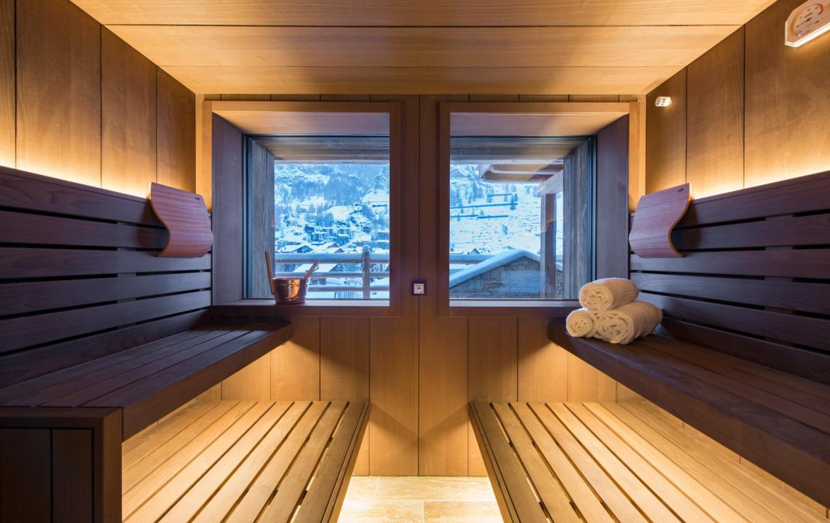 Kings-avenue-zermatt-snow-chalet-childfriendly-sauna-jacuzzi-home-cinema-house-025-11