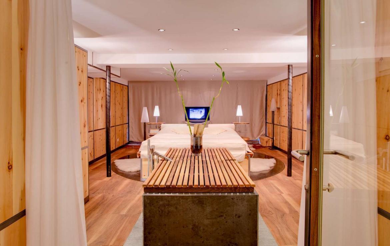 Kings-avenue-zermatt-snow-chalet-granit-private-lift-sauna-house-017-2