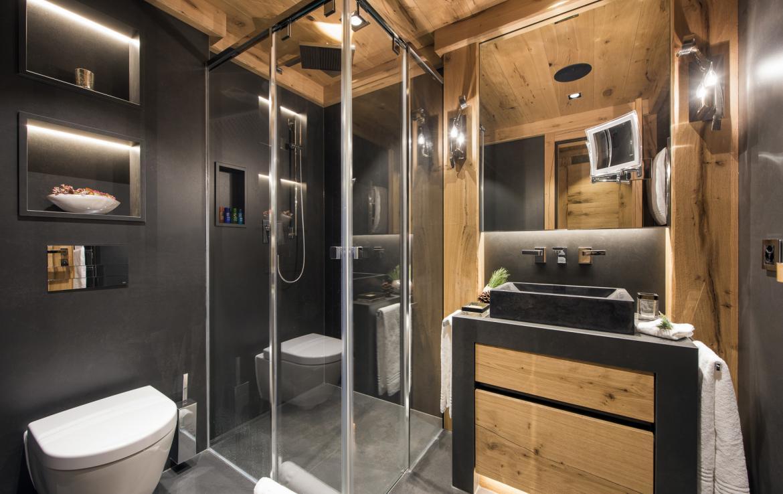 Kings-avenue-zermatt-snow-chalet-indoor-jacuzzi-hammam-childfriendly-spa-wellness-03-26