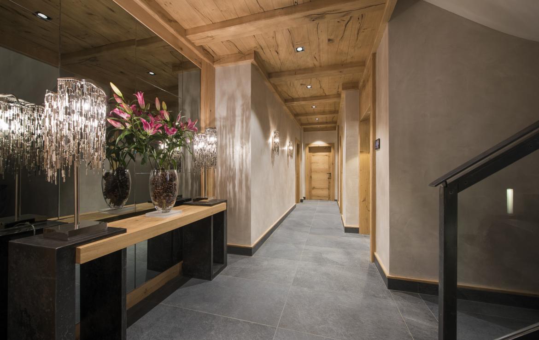 Kings-avenue-zermatt-snow-chalet-indoor-jacuzzi-hammam-childfriendly-spa-wellness-03-8