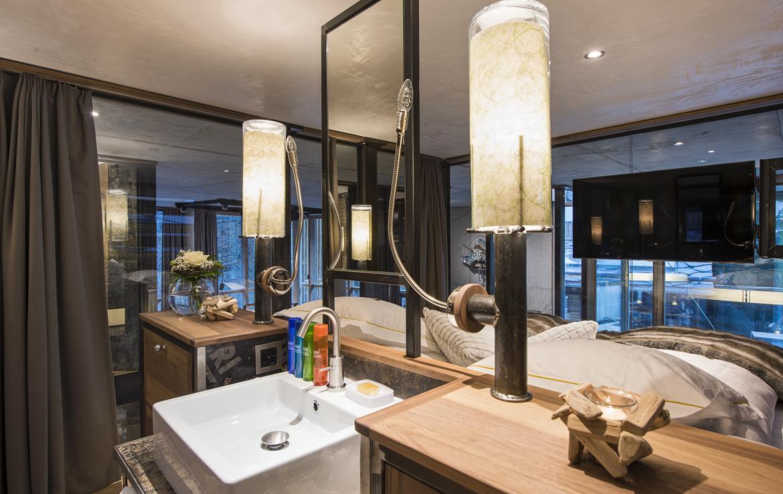 Kings-avenue-zermatt-snow-chalet-jacuzzi-sauna-hammam-games-room-012-6
