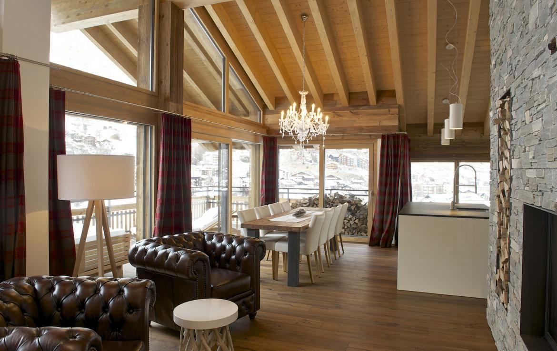 Kings-avenue-zermatt-snow-chalet-outdoor-jacuzzi-childfriendly-fitness-room-massage-area-014-8