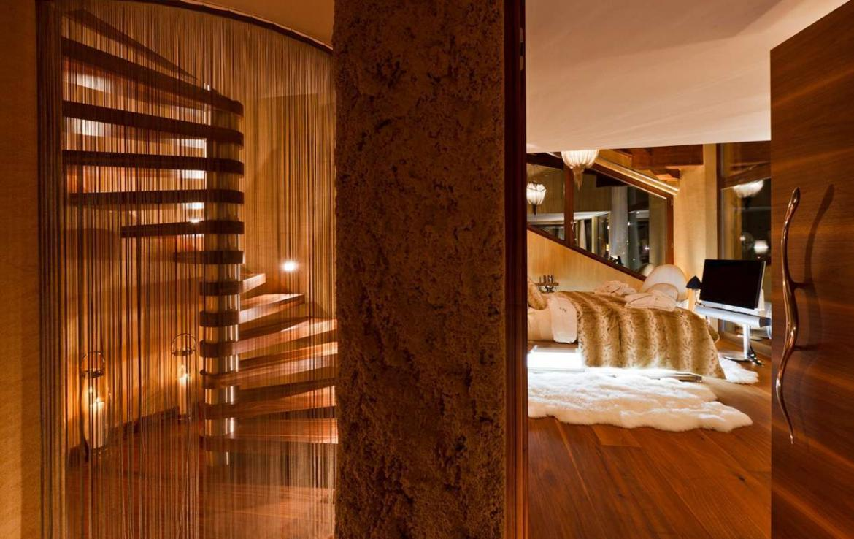 Kings-avenue-zermatt-snow-chalet-sauna-hammam-boot-heaters-library-wellness-02-27