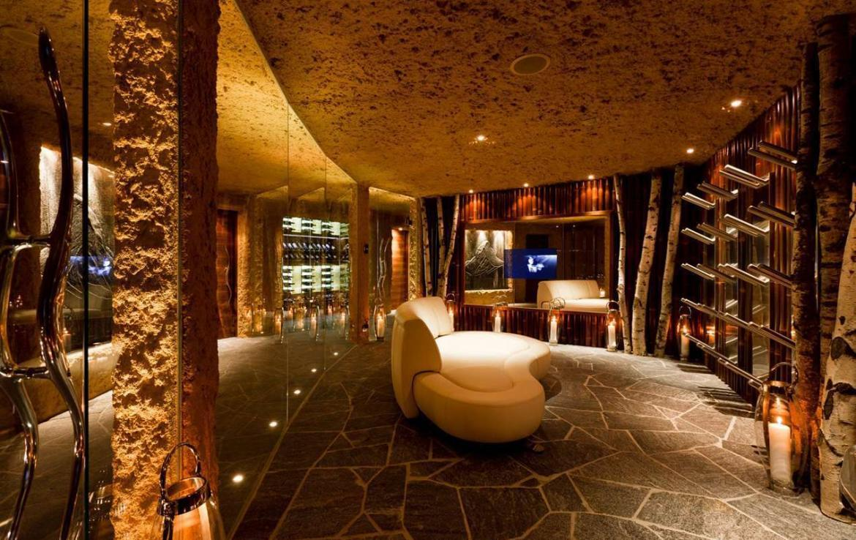 Kings-avenue-zermatt-snow-chalet-sauna-hammam-boot-heaters-library-wellness-02-7