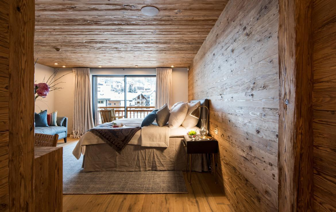 Kings-avenue-zermatt-snow-chalet-sauna-indoor-jacuzzi-fireplace-gym-ski-in-ski-out-08-18
