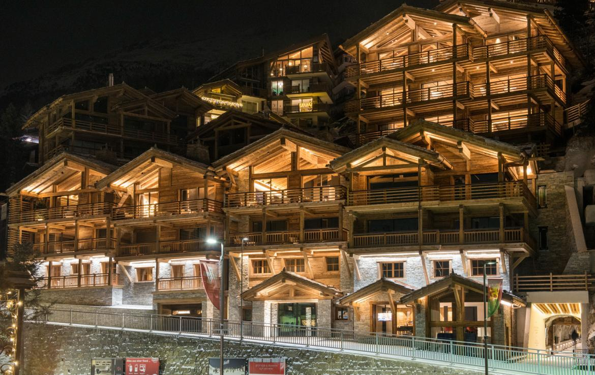 Kings-avenue-zermatt-snow-chalet-sauna-indoor-jacuzzi-fireplace-gym-ski-in-ski-out-08-23