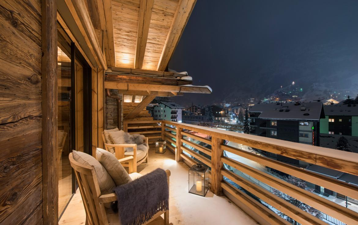 Kings-avenue-zermatt-snow-chalet-sauna-indoor-jacuzzi-fireplace-gym-ski-in-ski-out-08-8