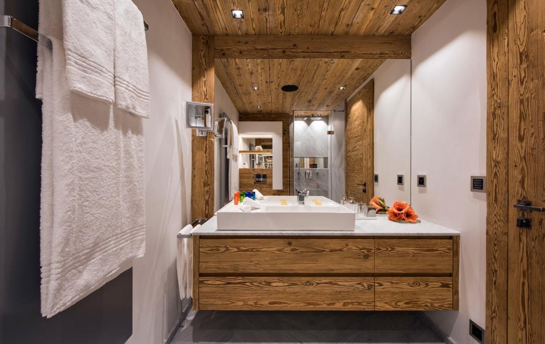 Kings-avenue-zermatt-snow-chalet-sauna-indoor-jacuzzi-private-spa-gym-06-28