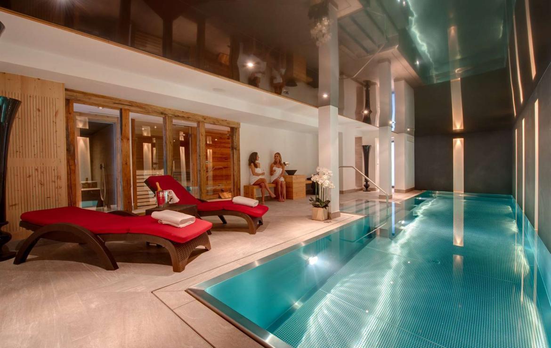 Kings-avenue-zermatt-snow-chalet-sauna-outdoor-jacuzzi-cinema-fireplace-05-7
