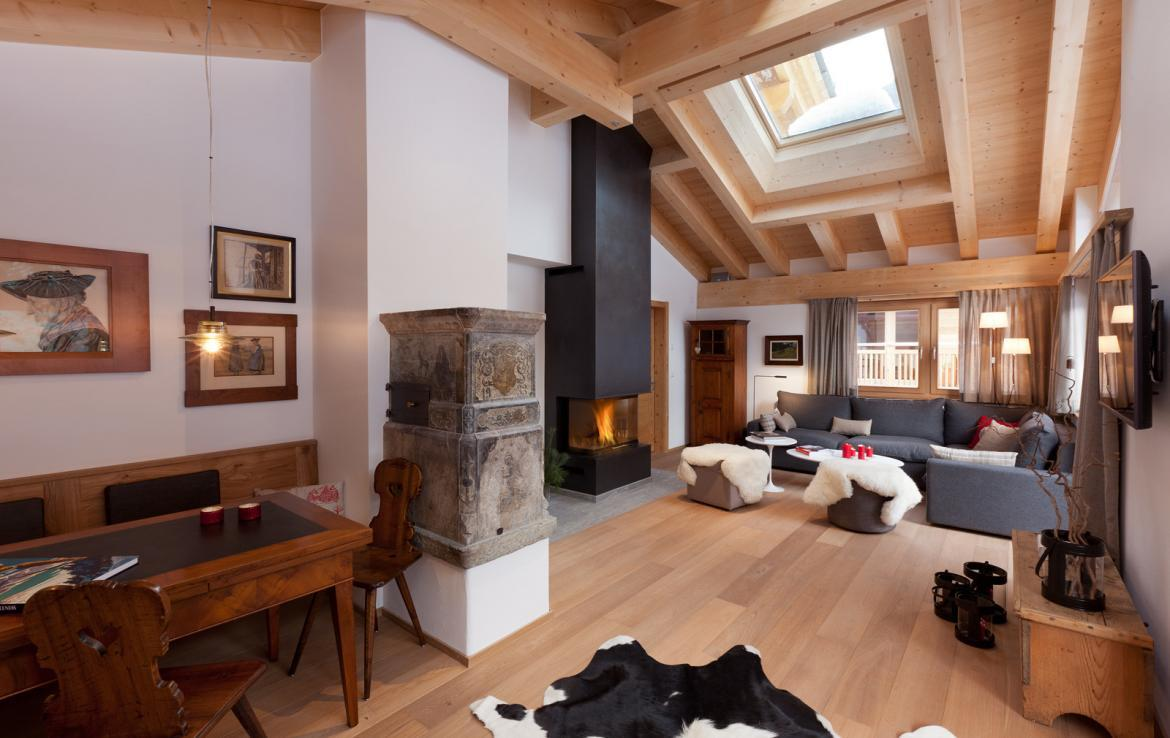 Kings-avenue-zermatt-snow-chalet-sauna-swimming-pool-childfriendly-fireplace-lift-09-4
