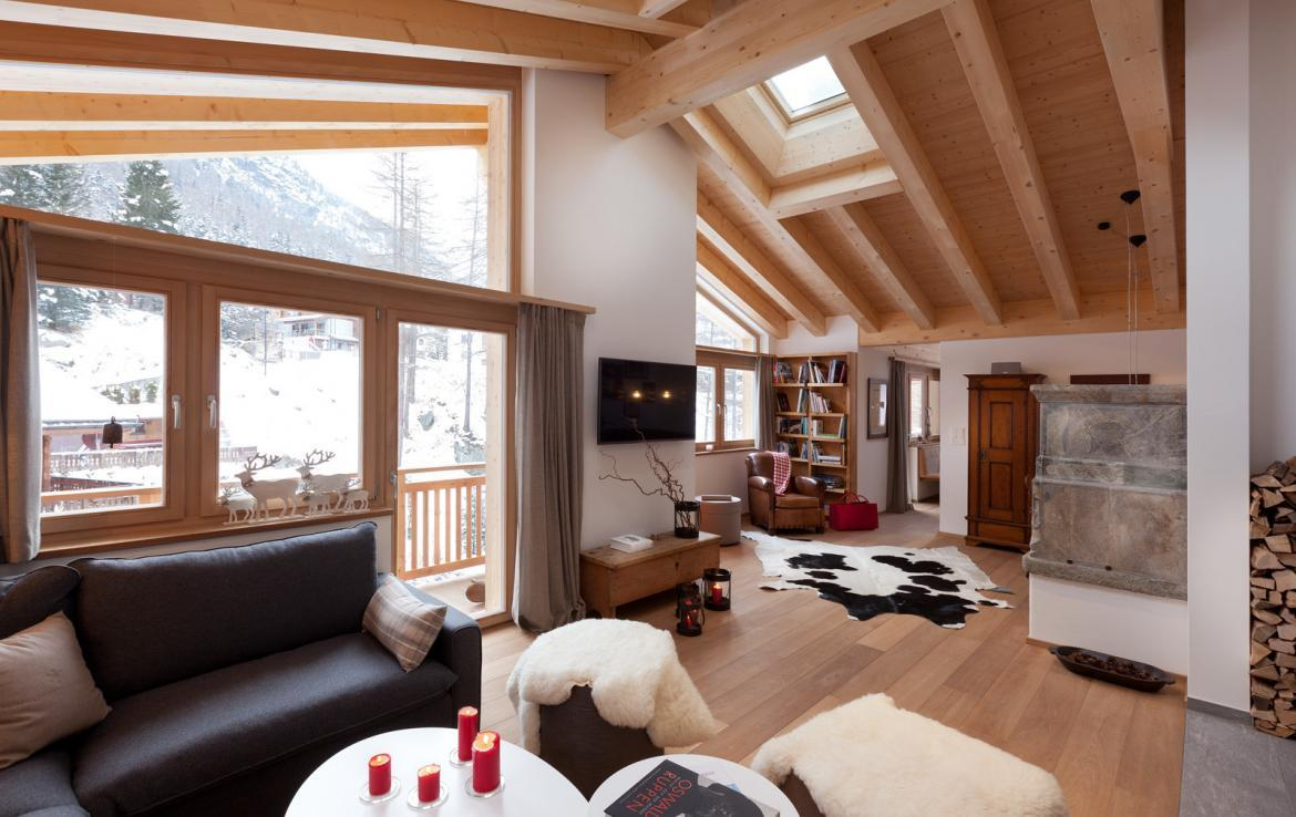 Kings-avenue-zermatt-snow-chalet-sauna-swimming-pool-childfriendly-fireplace-lift-09-5