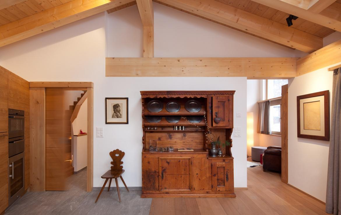 Kings-avenue-zermatt-snow-chalet-sauna-swimming-pool-childfriendly-fireplace-lift-09-7