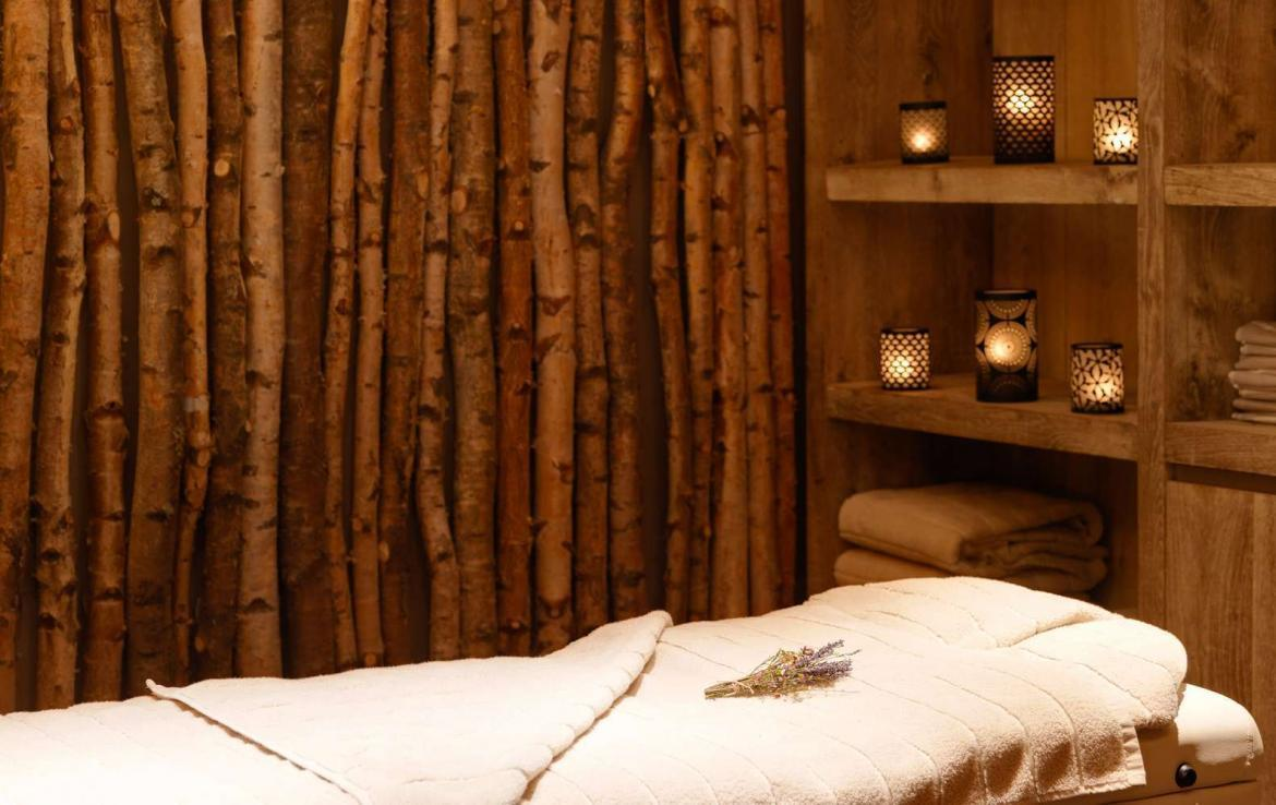 Kings-avenue-zermatt-snow-chalet-wi-fi-hammam-childfriendly-cinema-fireplace-01-16