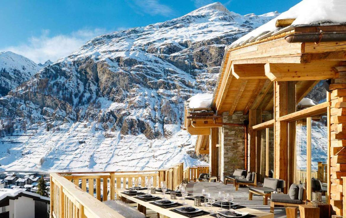 Kings-avenue-zermatt-snow-chalet-wi-fi-hammam-childfriendly-cinema-fireplace-01-4