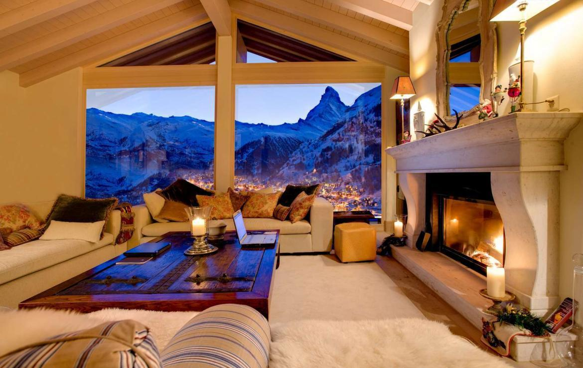 Kings-avenue-zermatt-snow-chalet-wi-fi-sauna-cinema-childfriendly-fireplace-massage-room-04-6