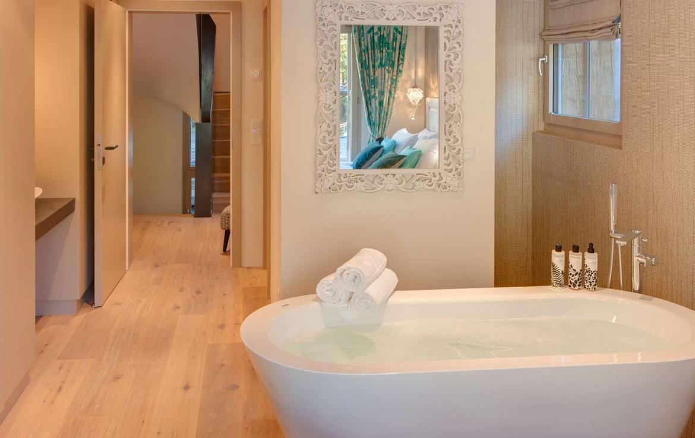 Kings-avenue-zermatt-wifi-sauna-hammam-jacuzzi-swimming-pool-childfriendly-cinema-fireplace-games-room-bar-lift-area-zermatt-005-13