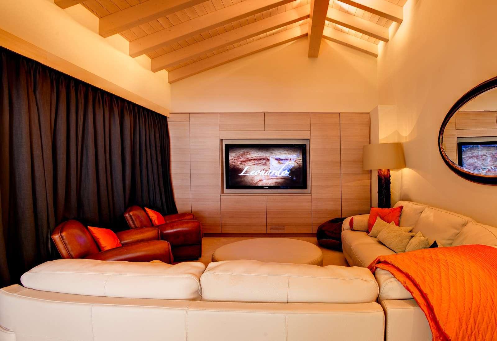 Kings avenue zermatt wifi sauna jacuzzi childfriendly - Sala de cine en casa ...
