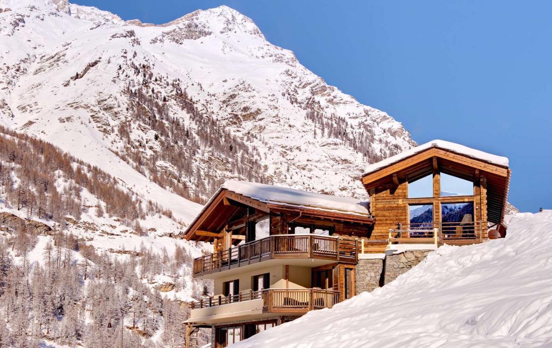 Kings-avenue-zermatt-wifi-sauna-jacuzzi-childfriendly-cinema-games-room-fireplace-pilates-yoga-room-balconies-area-zermatt-004